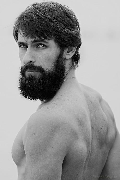 Male Grooming dyeing your beard - Beard Farmers